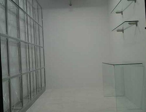 Bodega minimalista en Toledo
